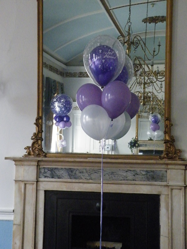 5 balloon display with top double bubble