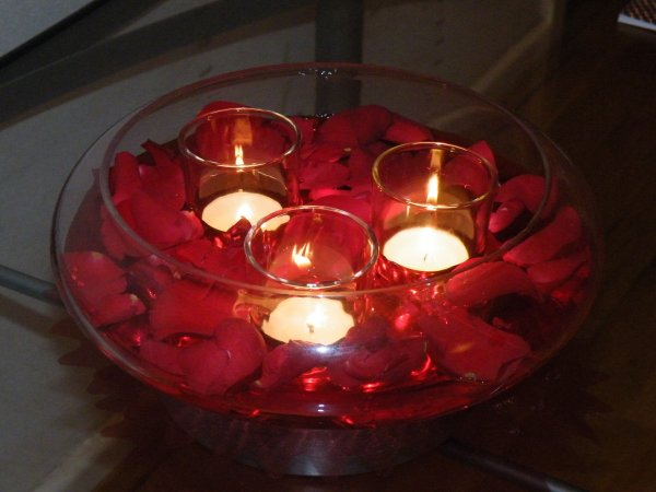 floating rose petal centre piece