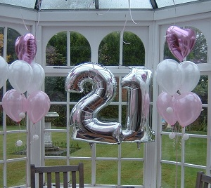 large number foils & 5 balloon floor standing bouquets with foil heart