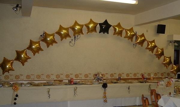 Balloon Arches Make Dramatic Entrances Or A Beautiful
