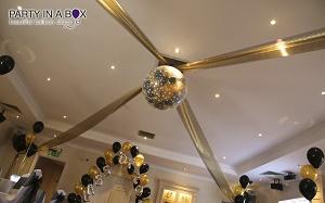 prom balloon décor