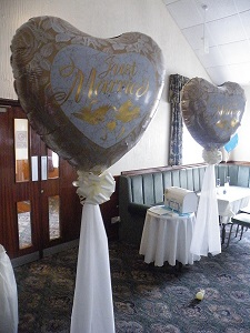 "2 x 36"" foil balloons with ribbon neck and floaty tulle"
